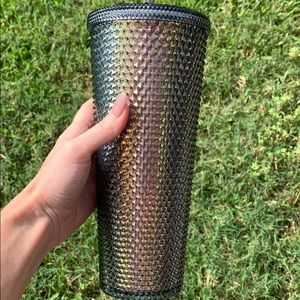 🔥🔥🔥Starbucks studded 2020 tumbler🔥🔥🔥